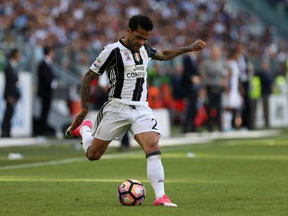 Daniel Alves, durante uma partida nesta temporada na Serie A.