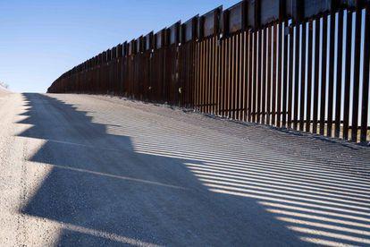 Imagem do muro entre os EUA e o México.