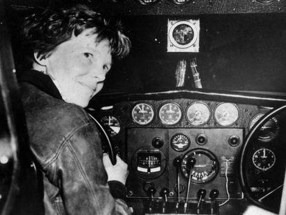 Amelia Earhart antes do seu último voo, em 2 de julho de 1937.