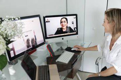 Maricruz Tabbia e Silvina Moschini trabalhando através da plataforma SheWorks!