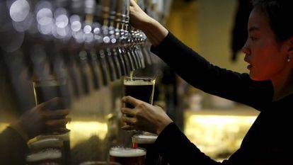 Dos 8,8 milhões de mortes anuais por câncer no mundo, aproximadamente 340.000 se devem ao álcool.