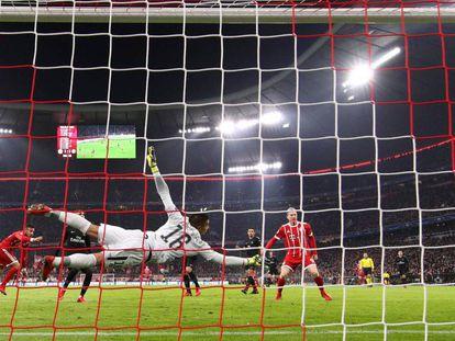 O primeiro gol de Tolisso na Allianz Arena.