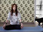 Classe de ioga amb gats a la Cat House de Suara Foundation.