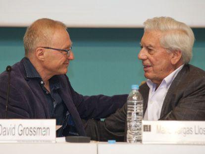 Os dois escritores, durante o encontro na Feira Literária.