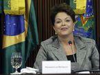 La presidenta de Brasil, Dilma Roussef, durante un reunión.