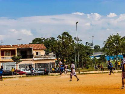 O time Anita Garibaldi durante um jogo em Guarulhos.