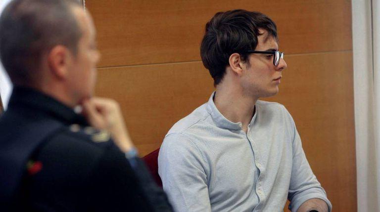 O assassino confesso da chacina de Pioz, Patrick Nogueira, durante o julgamento