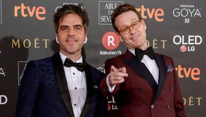 Os comediantes Ernesto Sevilla e Joaquín Reyes antes da cerimônia dos Prêmios Goya 2018