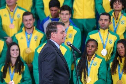 Bolsonaro recebeu atletas medalhistas no Pan de Lima em 2019.