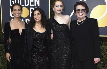 As atrizes Natalie Portman, America Ferrera, Emma Stone e Billie Jean King no Globo de Ouro.
