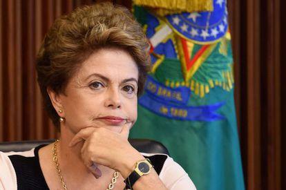 DIlma Rousseff, durante reunião com juristas nesta segunda-feira, em Brasília.