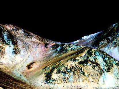 NASA descobre novas provas da existência de água em Marte