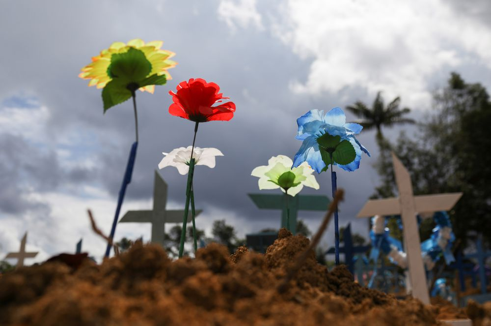 Os humanos que o vírus descobriu no Brasil