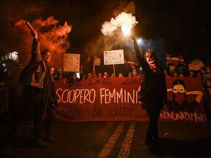 A marcha das mulheres por nenhum direito a menos toma as ruas do mundo todo