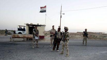 Soldados iraquianos em Arar, perto da fronteira com a Arábia Saudita.
