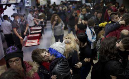 Protesto contra a expulsão de um casal gay em Madri.