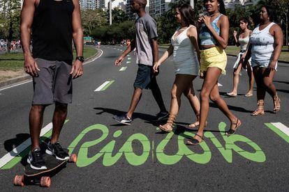 Rua fechada para o trânsito no Rio.