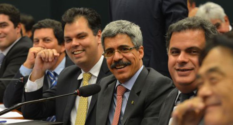 O relator Luiz Sérgio, que recebeu quase um milhão de reais das empresas