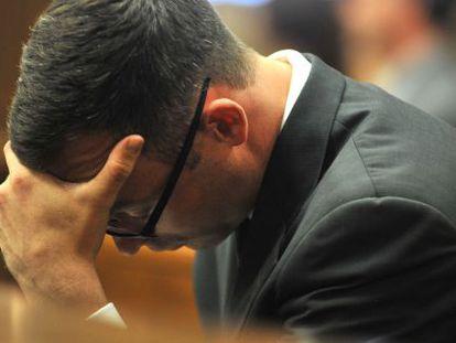 Oscar Pistorius no julgamento pela morte de sua ex-namorada.