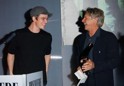 Josh Hartnett e Harrison Ford em um evento para promover 'Divisão de Homicídios'. Na verdade, segundo Hartnett, os sorrisos eram impostados.