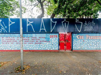 Um Centro de Educação Infantil (CEI) fechado, no bairro de Pinheiros, zona oeste de São Paulo.