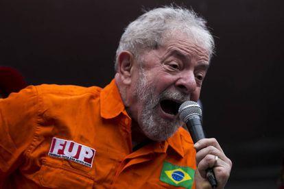 O ex-presidente Luiz Inácio Lula da Silva em protesto contra o Governo em outubro.