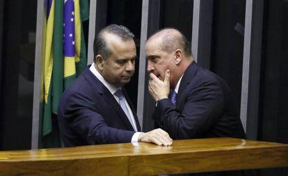 Rogério Marinho e Onyx Lorenzoni, na Câmara em julho de 2019.