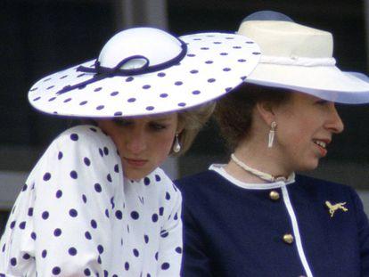Lady Di e a princesa Ana em 1986