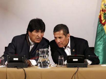 Evo Morais e Ollanta Humala, em Puno (Peru).