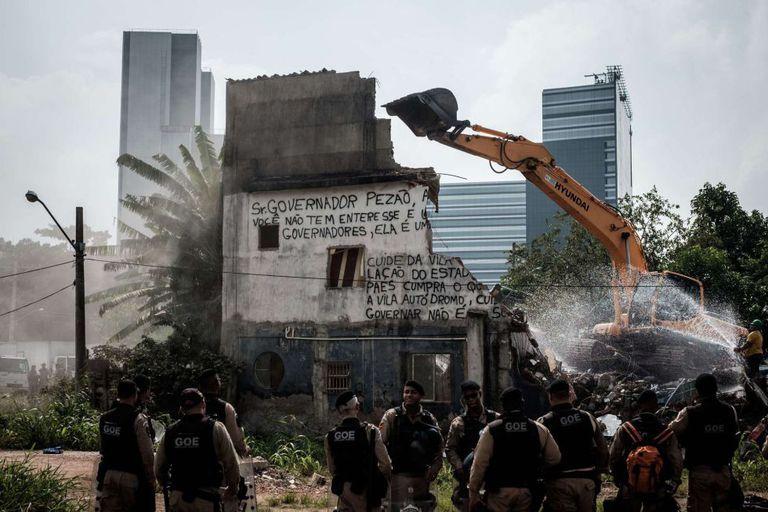 Demolição nesta terça da casa-símbolo da Vila Autódromo.