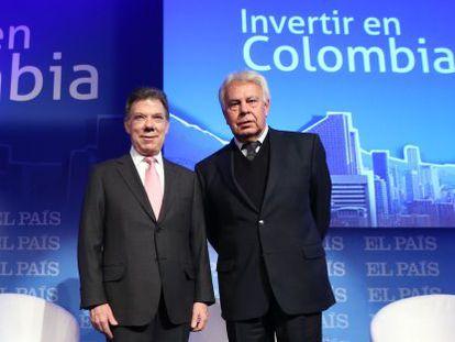 Juan Manuel Santos, presidente da Colômbia, e Felipe González. / ULY MARTIN