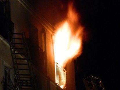 Oito pessoas morrem no incêndio de um edifício residencial em Paris