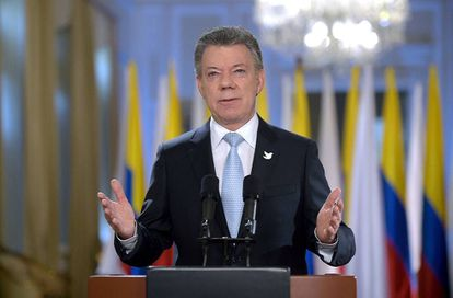 Juan Manuel Santos faz o anúncio da conclusão das conversações de paz com as FARC.