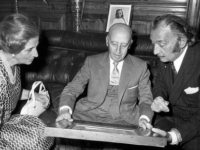Carmen Polo, Franco e Dalí no castelo de Peralada em 1970.