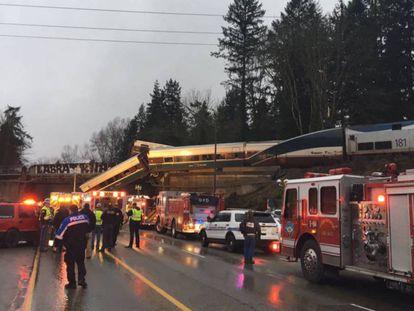 O trem que descarrilou, em foto divulgada pelo porta-voz da polícia local.