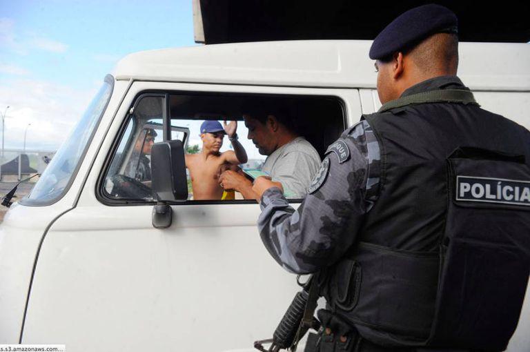 Operação anti-drogas no Rio, em 2014.