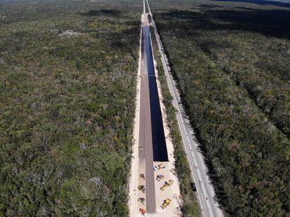 Trecho em construção da estrada Kalkini-Cancún do Trem Maia, em 5 de março.