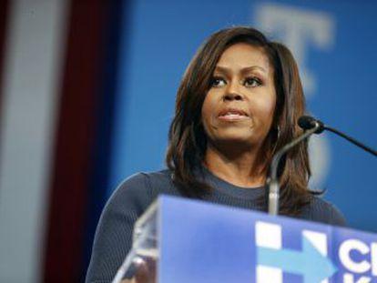 Primeira-dama ataca Donald Trump por suas acusações sexistas