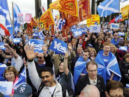 Partidários da independência da Escócia.