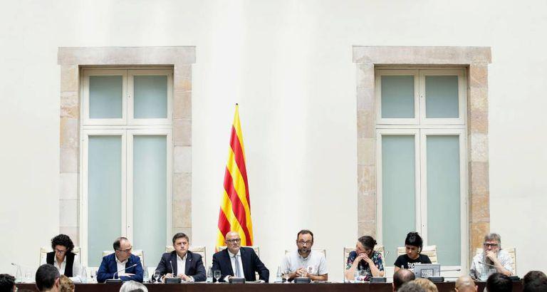 Os deputados do Juntos pelo Sim e da CUP em evento nesta terça-feira.