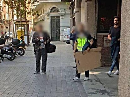 O ex-jogador do Valladolid Borja Fernández, depois de ser parado. Em vídeo, imagens da operação policial.