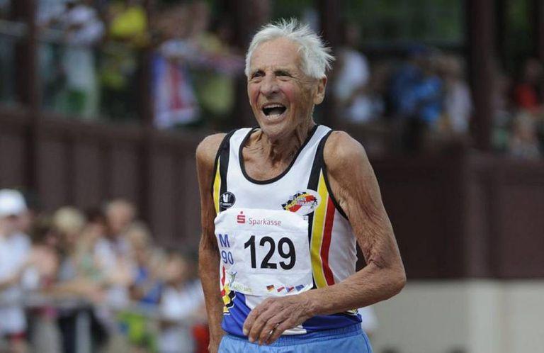 A vida ativa se prolonga, como a deste atleta belga de 90 anos.