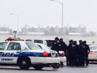 Nove pessoas ficaram feridas, entre elas cinco policiais. Suspeito resistiu mais de cinco horas entrincheirado no centro médico
