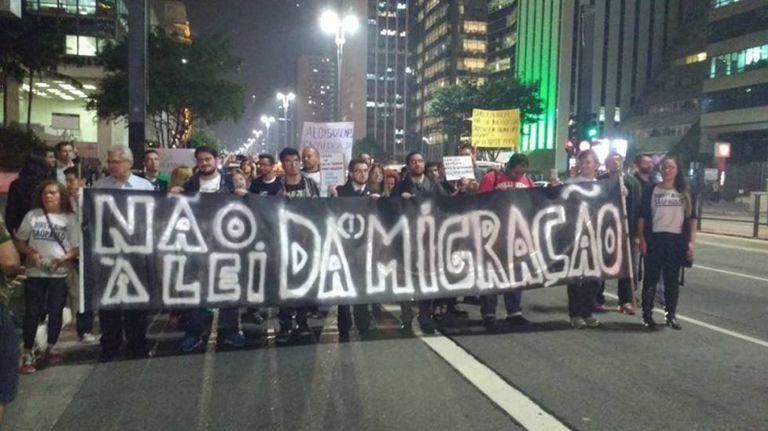 Protesto contra nova lei de migração na avenida Paulista.