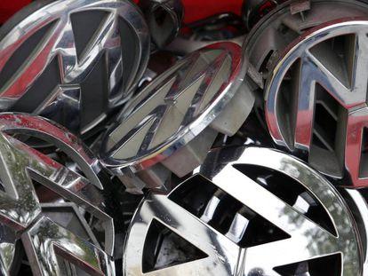 Logotipos de segunda mão de veículos Volkswagen.