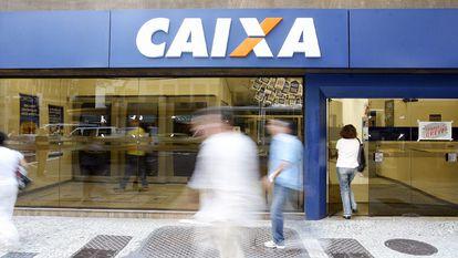 Imagem de uma agência da Caixa no Rio de Janeiro.