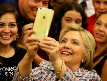 Hillary Clinton em Sacramento. MIKE BLAKE REUTERS