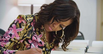 Michelle Obama, em uma cena de seu documentário.