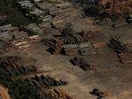 Pilhas de madeira durante a Operação Onda Verde, do Ibama, no sul do Amazonas, em julho 2017.