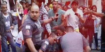 Captura de um dos vídeos da morte do ambulante em São Paulo.